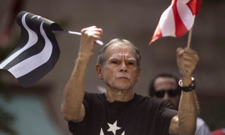 [Read at the Chicago Tribune] Oscar Lopez Rivera Booed And Cheered At Puerto Rican Parade In New York
